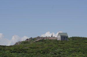 船形山山頂避難小屋